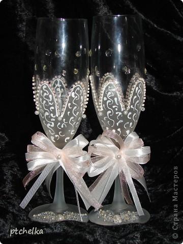 Нижнюю часть бокалов оформила в виде цветка при помощи краски с эффектом замершего стекла SPECIALTY FROSTED GLASS фото 1