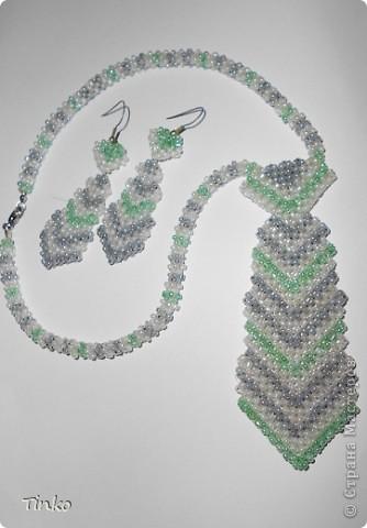 Бисерные украшения в форме галстука. фото 1