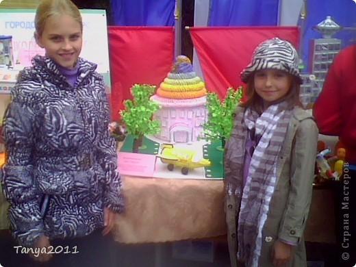 """10 сентября у нас праздновали День города. На конкурсе макетов """"Школа будущего"""", посвящённом году Космоса, мы стали победителями. фото 2"""
