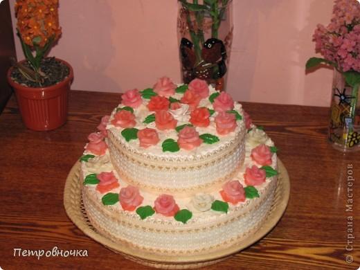 Девчонки мои потребовали, что бы и на СЮТе был мой тортик. Решила сделать круглый  на этот раз. фото 1