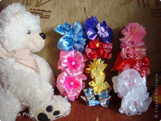 Вот такие бантики получились на заказ для девочки на день рождения.Дальше пойдут фото каждой парочки отдельно фото 1