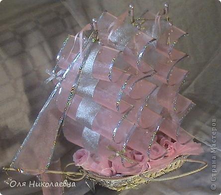 Вот такой долгострой у меня построился.Сладкий подарок на свадьбу племянницы.Дальше продемонстрирую корабль во всех ракурсах. фото 1