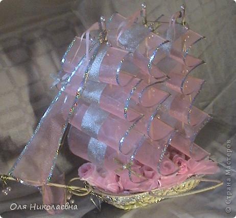 Вот такой долгострой у меня построился.Сладкий подарок на свадьбу племянницы.Дальше продемонстрирую корабль во всех ракурсах. фото 13