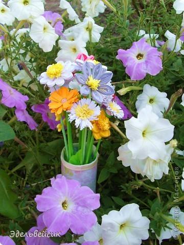 Букетик квиллинг-цветочков фото 4