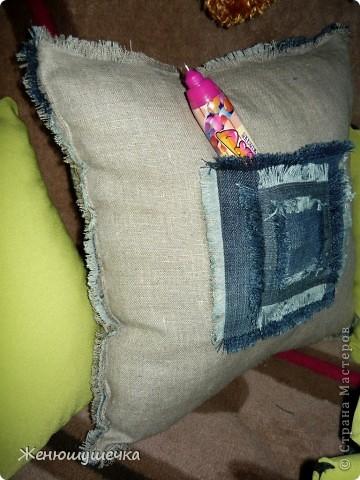 Сшила сыну шторы в комнату, осталась ткань, получились подушки и зайцы! фото 3