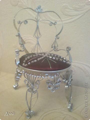 Такой трон и на ёлку повесить можно. фото 1