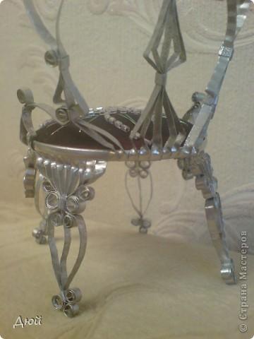 Такой трон и на ёлку повесить можно. фото 4