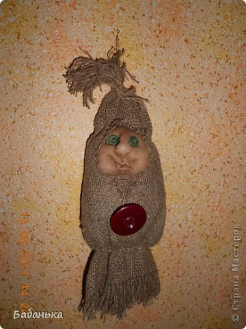Обереговые куколки-саше. Наполнены тимьяном и душицей. Их можно повесить на стену или в шкаф. Они  всю зиму хранят запахи лета. А также будет с кем посоветоваться, что одеть сегодня.  фото 3