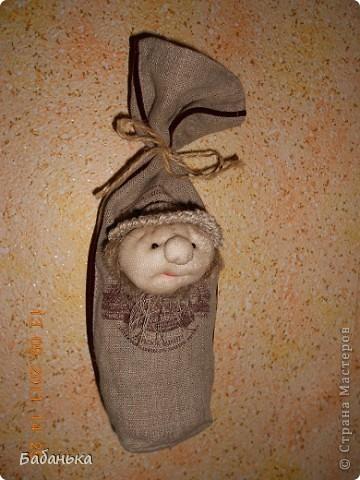Обереговые куколки-саше. Наполнены тимьяном и душицей. Их можно повесить на стену или в шкаф. Они  всю зиму хранят запахи лета. А также будет с кем посоветоваться, что одеть сегодня.  фото 4