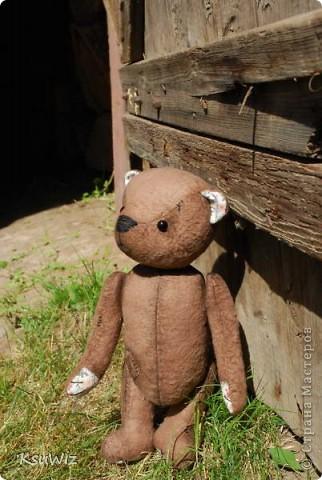 Хочу познакомить вас с Мишель, состаренной мишкой, сшитой на совместном пошиве. фото 3