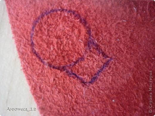 Одна из моих давнишних работ, делала на кружке рукоделия. Розы выполнены из кожи, листья и ваза - из ткани, хотя сейчас понимаю, что кожа выглядела бы эффектней.  фото 5