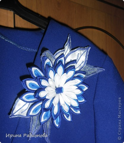 цветок на платье