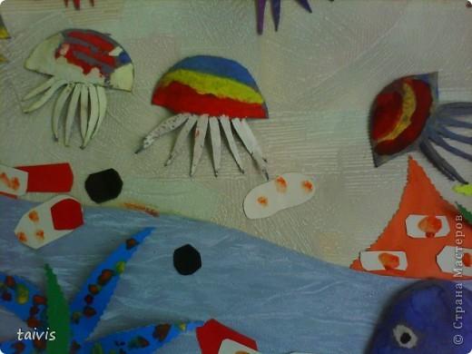 Коллективная работа детей старшей дошкольной группы. Выполнена с использованием ячеек от фруктов. фото 5