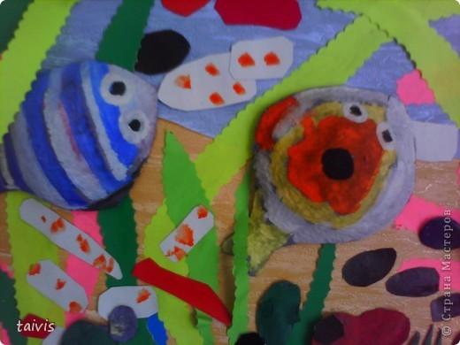 Коллективная работа детей старшей дошкольной группы. Выполнена с использованием ячеек от фруктов. фото 7