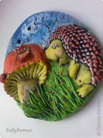 маленькое панно с ёжиком и грибом фото 2