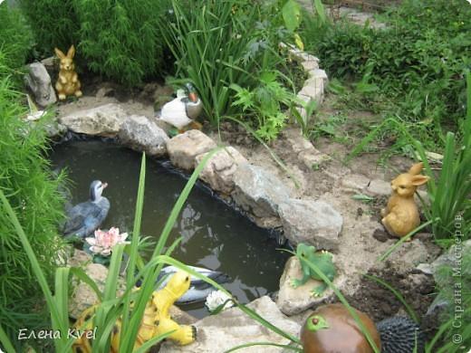 Каменистая горка перед домиком фото 15