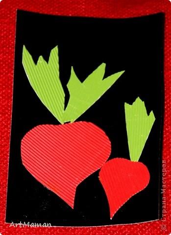 Урожайную грядку творили с дочей (2 г.) из гофрокартона. Она обожает этот материал, и работа с ним у нас всегда идет на ура. фото 2