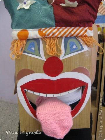 Эта игрушка была сделана 3 года назад совместно с напарницей по работе в д.саду.Она предназначена для занятий с детьми артикуляционной гимнастикой. фото 1