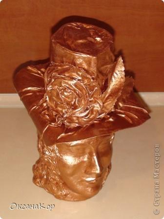 Здравствуйте. Это бутылка декорирована как голова женщины в шляпе. (Правда женщина у меня не совсем получилась , почему то выходило только мужское лицо) фото 3