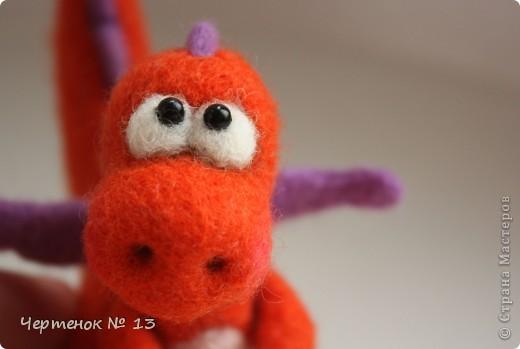 Вот такой дракончик по имени Апельсин родился на свет. Он совсем еще малыш (около 8 см.), очень нежный и наивный. В наступающем Новом году он станет замечательным талисманом и принесет много положительных эмоций!!! фото 1