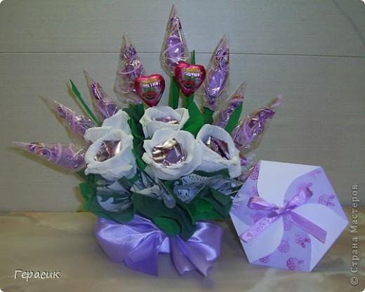 Проба букетов из конфет - подарок на розовую свадьбу фото 1