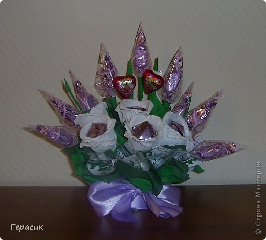 Проба букетов из конфет - подарок на розовую свадьбу фото 3