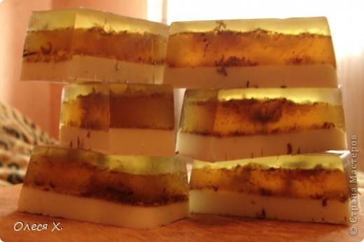Наделала еще мылок вкусных и полезных)) Вот в это добавила натуральную апельсиновую цедру, ЭМ апельсина и масло жожоба. фото 2