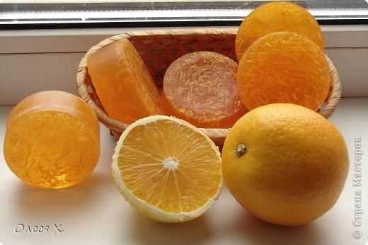 Наделала еще мылок вкусных и полезных)) Вот в это добавила натуральную апельсиновую цедру, ЭМ апельсина и масло жожоба. фото 1