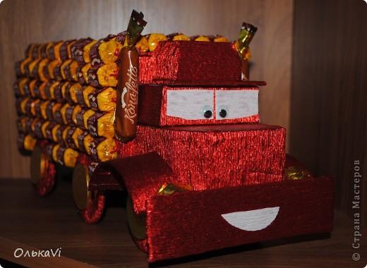 Рояль. Маловато, правда, удалось использовать конфет, но радости у одариваемого от этого, я думаю, не меньше.))) фото 2