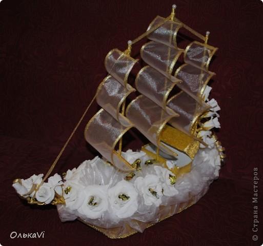 Свадебный корабль с сундучком для денег. фото 1