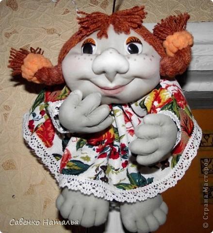 Вот еще одна моя кукляха Катюшка. Теперь у нее на голове красуется бантик. фото 2