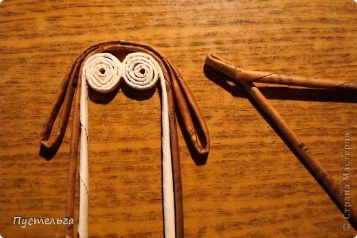 """Пришли ко мне на мастер-класс мама с ребёнком. Пока мама осваивала плетение верёвочкой, ребёнок скрутил две трубочки и спрашивает: """"А что можно сделать из них?"""" Я тогда не смогла ответить. Вот теперь знаю... фото 17"""
