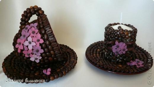 Доброго всем времени суток! Моя кофемания продолжается! На этот раз декорировала свечу, чайную пару и рамку для фотографий. фото 3