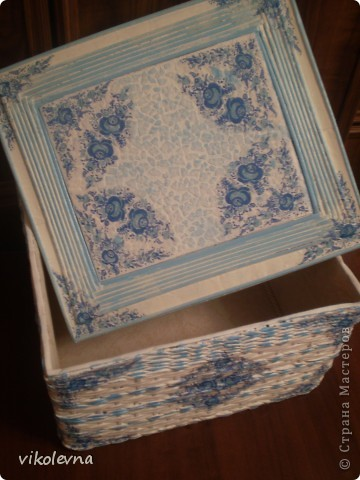 короб делала на заказ.знакомая просила сделать большую коробку.у Юляшки 1307(привет Юлечка!!!),понравилась шлатулочка-гжелечка.решила сделать нечто подобное.и вот что получилось.еще без лака. фото 4