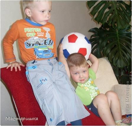 От того, что окружает ребенка в детстве, зависит то, каким взрослым он станет...  Игрушки, в которые играет ребенок - не исключение.  фото 5