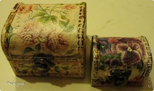 Купила через интернет магазин такие две китайские шкатулки, качества среднего, поняла, что их спасет  только шебби фото 1
