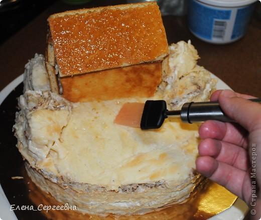 """Торт """"Хуторок"""". Вес 3 кг.  Основа - торт """"Наполеон"""" с грецким орехом.  Сахарная помадка. Королевская глазурь. Воздушный рис. Брилгель. Пищевые красители. Цветной сахар.  фото 13"""