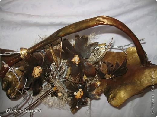 Да да. Я не ошиблась. Корзина с грибами, потому что цветы- это высохшие и растрескавшиеся грибы- дождевики. фото 9