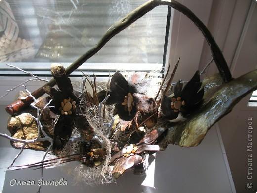 Да да. Я не ошиблась. Корзина с грибами, потому что цветы- это высохшие и растрескавшиеся грибы- дождевики. фото 11