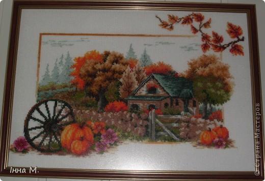 Це одна із чотирьох пір року, осінь. Вишивала її минулої осені, під враженнями кольорового листя...  фото 1