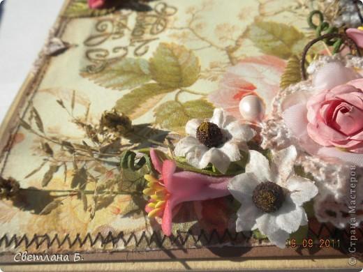 Всем привет!!! Я очень давно хотела сделать открытку в стиле винтаж. Хотела и боялась, что не смогу. Лежали у меня красивые салфеточки, ждали своего часа. Наконец, я решилась... тем более, что повод есть серьёзный - День Рождения любимой подруги.  фото 10