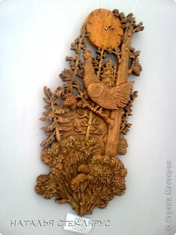 """Наконец выложу  продолжение экскурсии по выставке """"Золотая нить"""". На фото резные тарелочки расписанные в древнерусском стиле. Это работы Новосибирских мастеров. фото 4"""
