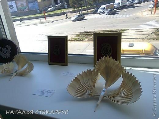 """Наконец выложу  продолжение экскурсии по выставке """"Золотая нить"""". На фото резные тарелочки расписанные в древнерусском стиле. Это работы Новосибирских мастеров. фото 6"""
