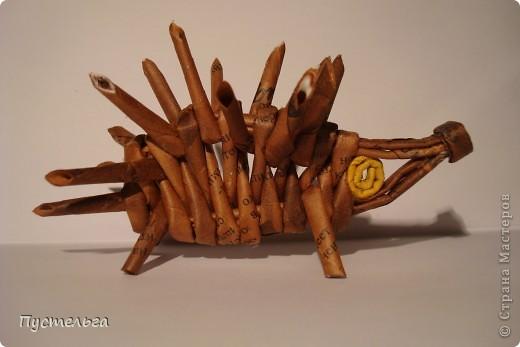 """Пришли ко мне на мастер-класс мама с ребёнком. Пока мама осваивала плетение верёвочкой, ребёнок скрутил две трубочки и спрашивает: """"А что можно сделать из них?"""" Я тогда не смогла ответить. Вот теперь знаю... фото 42"""