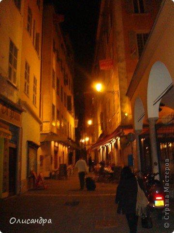 Ницца – один из красивейших уголков Франции, была основана в 5 веке до н. э. греками. Название произошло от имени богини победы – Ники.  В 19 веке отдыхать в Ницце полюбила сначала английская, а потом и французская аристократия.  фото 28