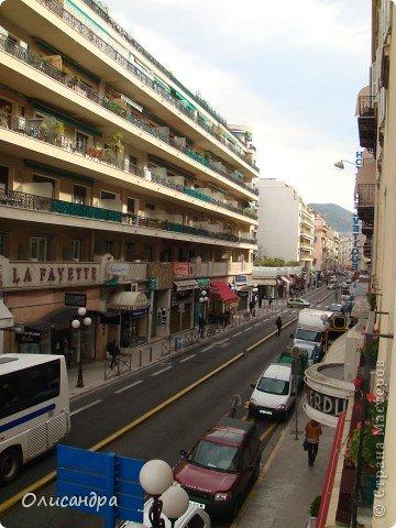 Ницца – один из красивейших уголков Франции, была основана в 5 веке до н. э. греками. Название произошло от имени богини победы – Ники.  В 19 веке отдыхать в Ницце полюбила сначала английская, а потом и французская аристократия.  фото 19