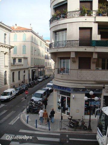 Ницца – один из красивейших уголков Франции, была основана в 5 веке до н. э. греками. Название произошло от имени богини победы – Ники.  В 19 веке отдыхать в Ницце полюбила сначала английская, а потом и французская аристократия.  фото 20