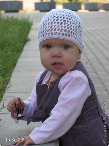 Вот таких шапочек и повязочек навязала своей дочурке. Предлагаю вашему просмотру. Может и вам что-нибудь приглянётся. фото 5