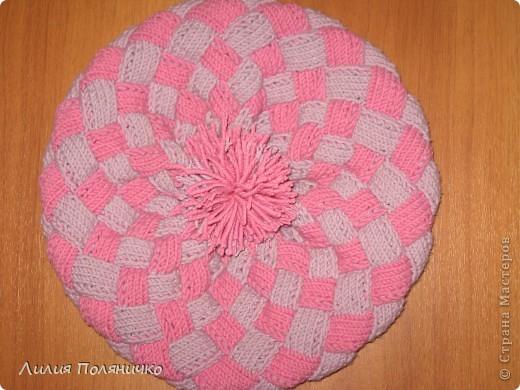 Нужна была шапка для дочки, и нашла в интернете новую технику вязки энтерлак, очень понравилось думаю еще и варежки такие же связать фото 1