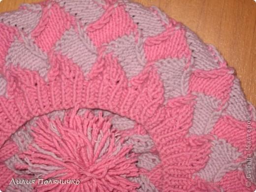 Нужна была шапка для дочки, и нашла в интернете новую технику вязки энтерлак, очень понравилось думаю еще и варежки такие же связать фото 4